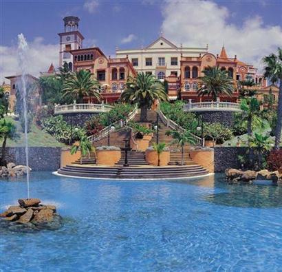 Hotel Bahia del Duque, w Costa Adeje